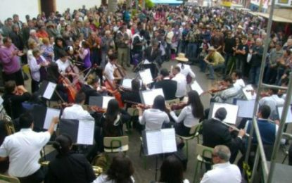 Orquestra do Erê comemora 10 anos
